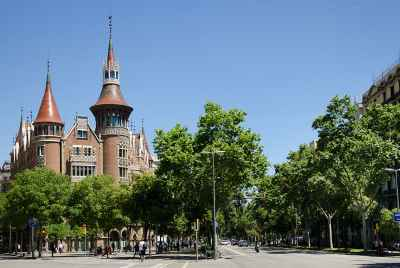 Building for sale near Passeig de Gracia